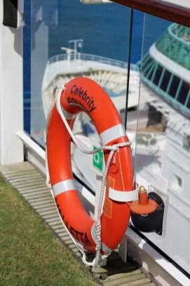 Die Celebrity Equinox on Cozumel neben der Rhapsody of the Seas