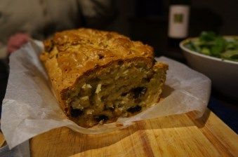 Goat's cheese, prunes and pistachio bread