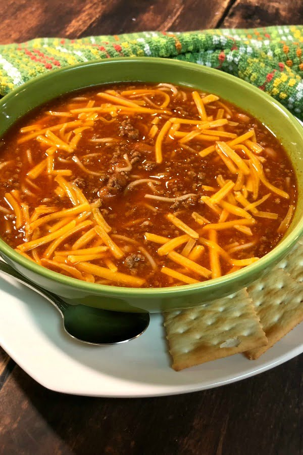When cooler weather sets in, there's nothing more cozy and comforting than a bowl of chili.....especially when it's served with a cinnamon roll alongside! If you're from the Midwest, you already know about this trend, and if you're not, DO try it. I totally think you'll be hooked if you give it just one shot. The combination of this chili with my Speedy Cinnamon Rolls or Speedy Maple Cinnamon Rolls will not disappoint, I promise! #Easy #SpeedyMeal #WeekNightMeal #Chili #Soup #Spaghetti #GroundBeef
