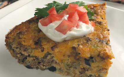 Are you looking for a delicious low-car crustless taco recipe idea? This low-carb crustless Tex Mexican Taco pie is a family favorite! I love how it slices up so nicely and makes a beautiful meal that tastes great!