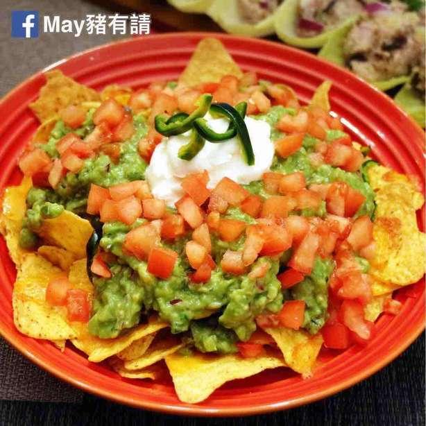 墨西哥脆片配牛油果醬