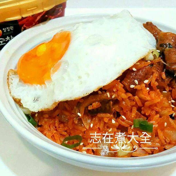 15分鐘韓式鰻魚泡菜炒飯