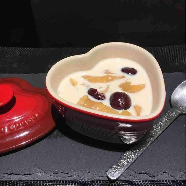 簡易鮮奶燉花膠(真空煲燉)