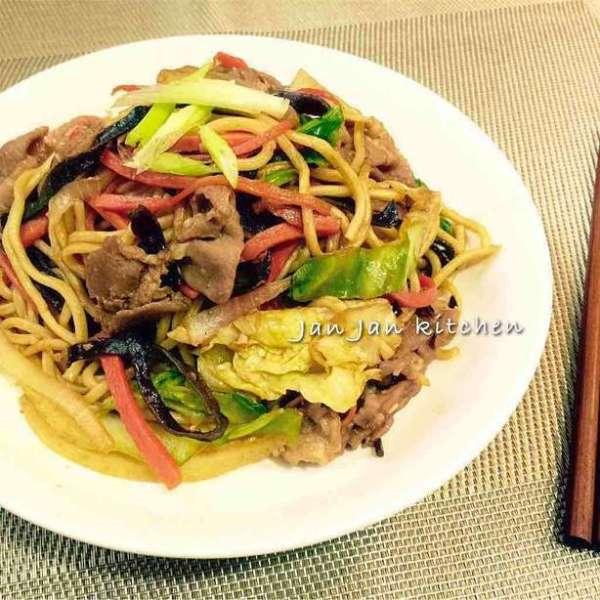 日式野菜豚肉炒麵