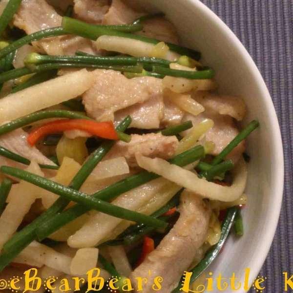 沙葛咸酸菜炒豬頸肉