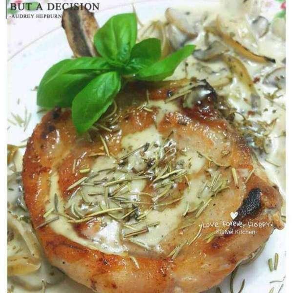 法國蘑菇忌廉汁煎豬鞍
