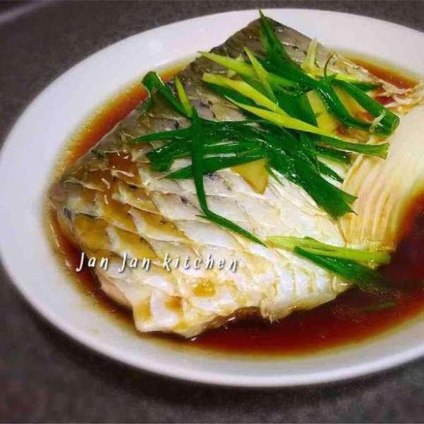 清蒸鯇魚腩