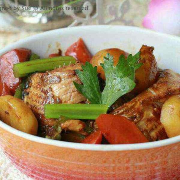 薯仔炆魚腩煲