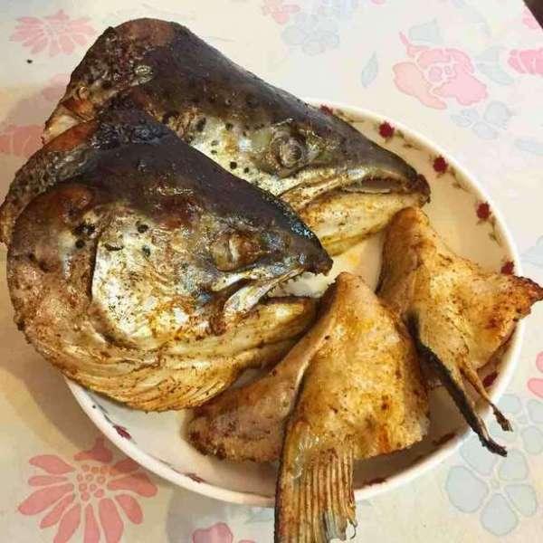 鹽燒脆三文魚頭