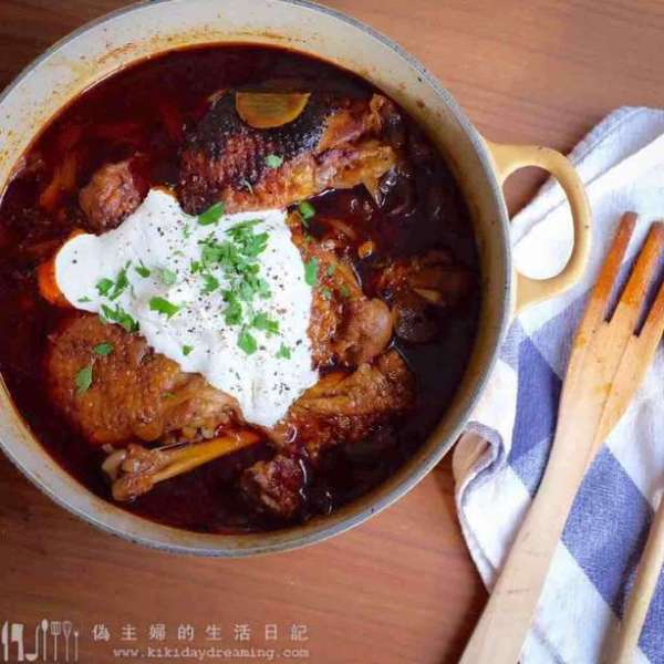 匈牙利紅椒燉雞