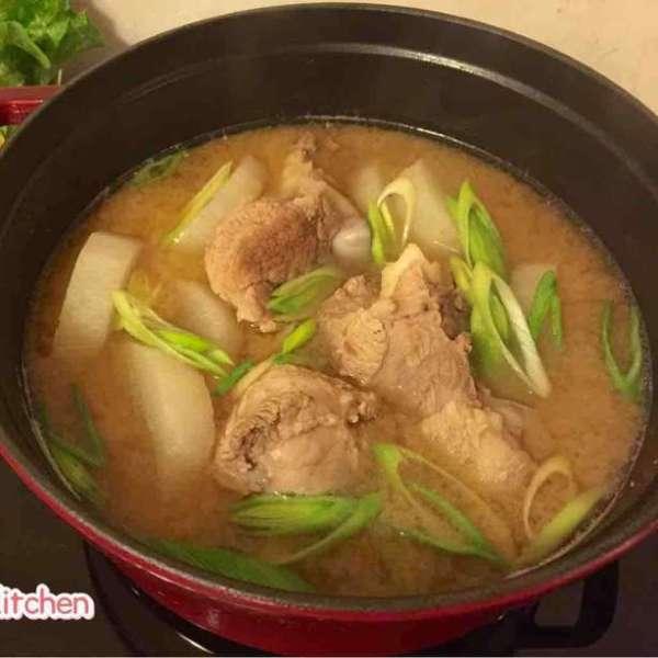 韓醬豬骨鍋
