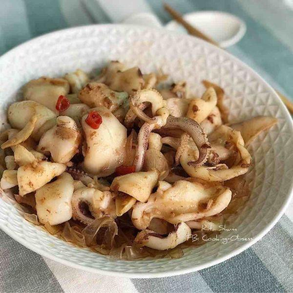 生熟蝦醬蒸鮮魷葛粉條