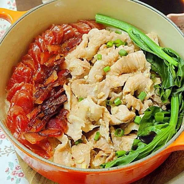 臘味蝦醬豬頸肉煲仔飯