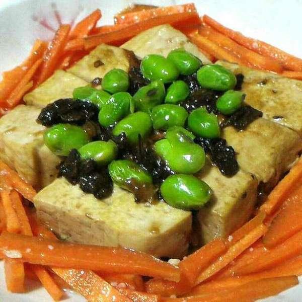 雪菜毛豆扒豆腐