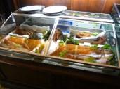 ristorante-hotel-le-fontanelle-a-prato-la-vetrina-del-pesce-foto-di-giorgio-dracopulos-critico-gastronomico