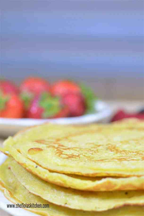Plantain pancakes wit strawberries