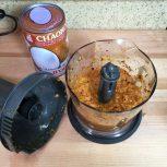 Making spice paste