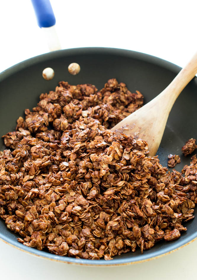 10 Minute Nutella Skillet Granola | chefsavvy.com #recipe #breakfast #granola #chocolate #nutella