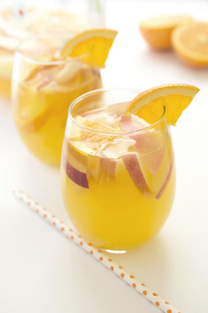 White Wine Sangria with peaches