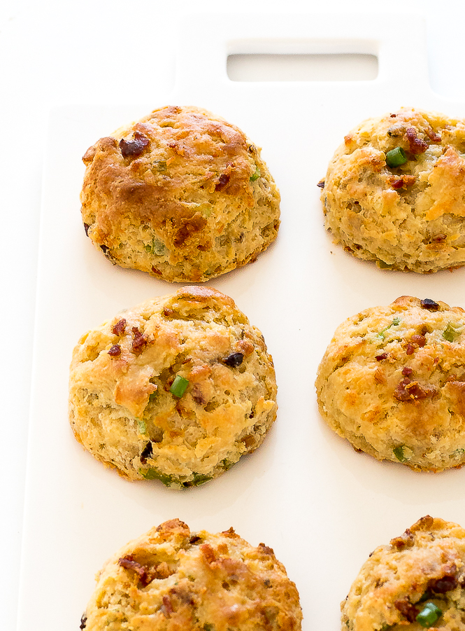 Easy Bacon Cheddar Biscuits | chefsavvy.com