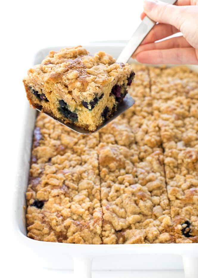 Easy Sour Cream Coffee Cake | chefsavvy.com