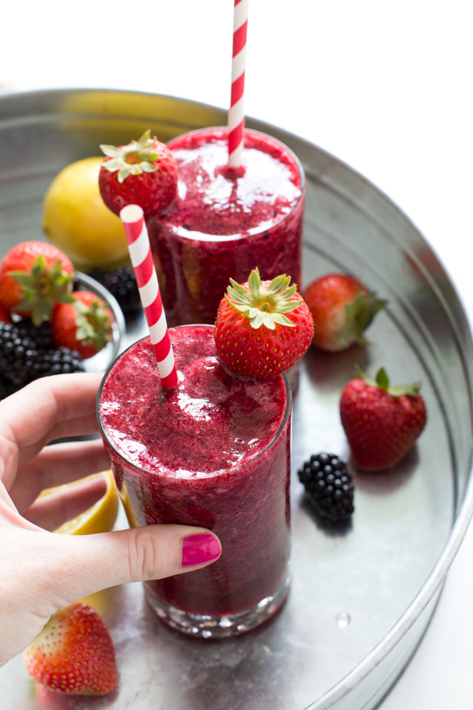 Frozen Berry Lemonade | chefsavvy.com