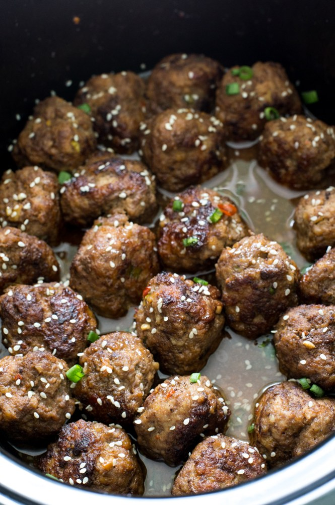 Slow Cooker Asian Sesame Meatballs | chefsavvy.com