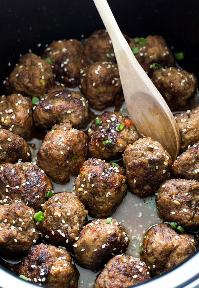 Slow Cooker Asian Sesame Meatballs | chefsavvy.com