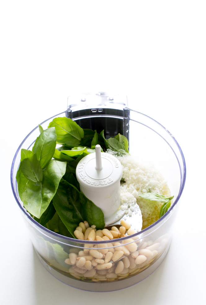 5 Ingredient Homemade Pesto | chefsavvy.com
