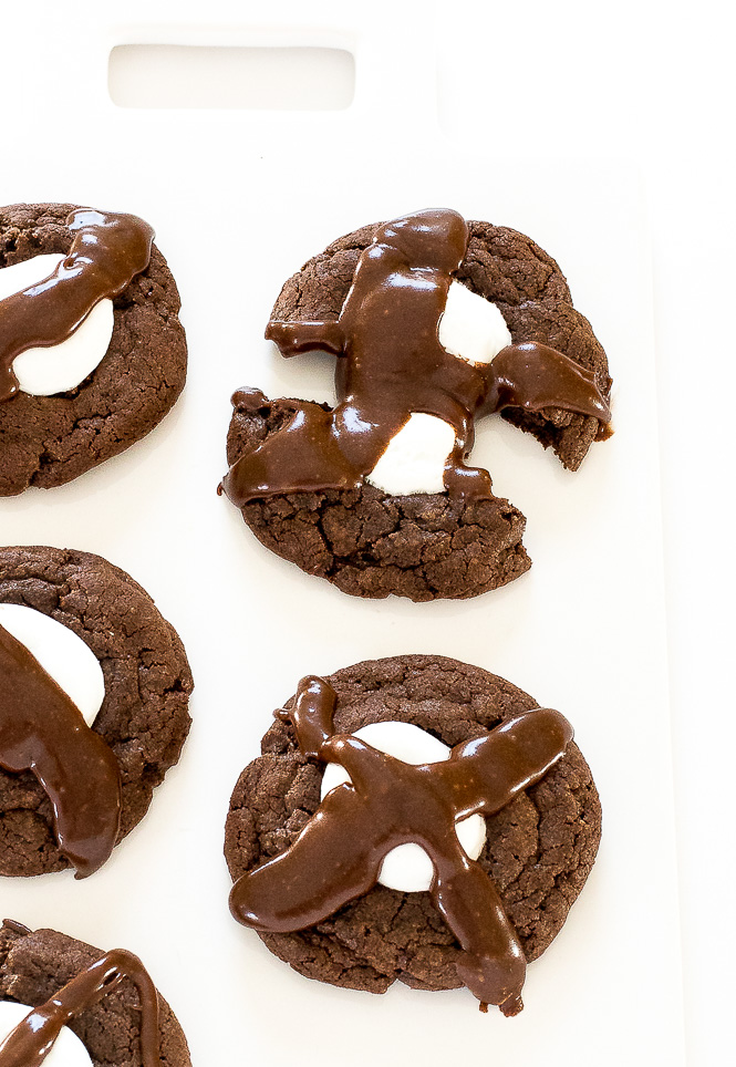 Easy Hot Chocolate Cookies | chefsavvy.com