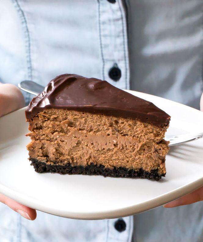 Triple Chocolate Cheesecake with Oreo Crust | chefsavvy.com