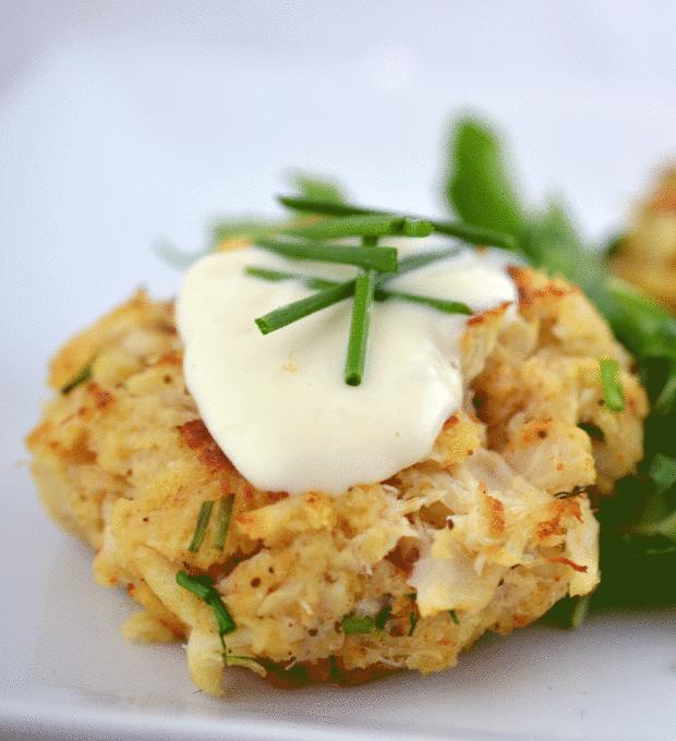 Crab cakes with lemon aioli | Chefsavvy.com