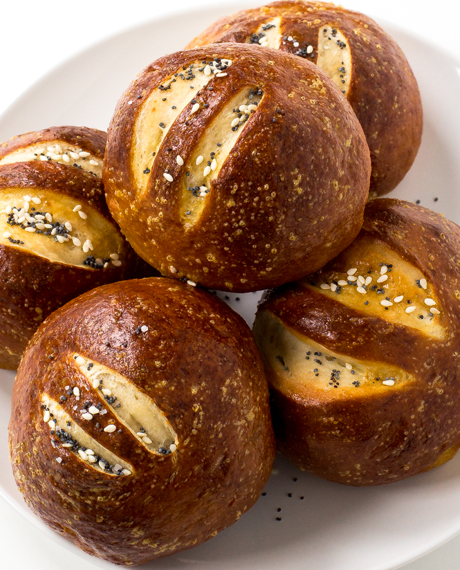 diy-pretzel-buns