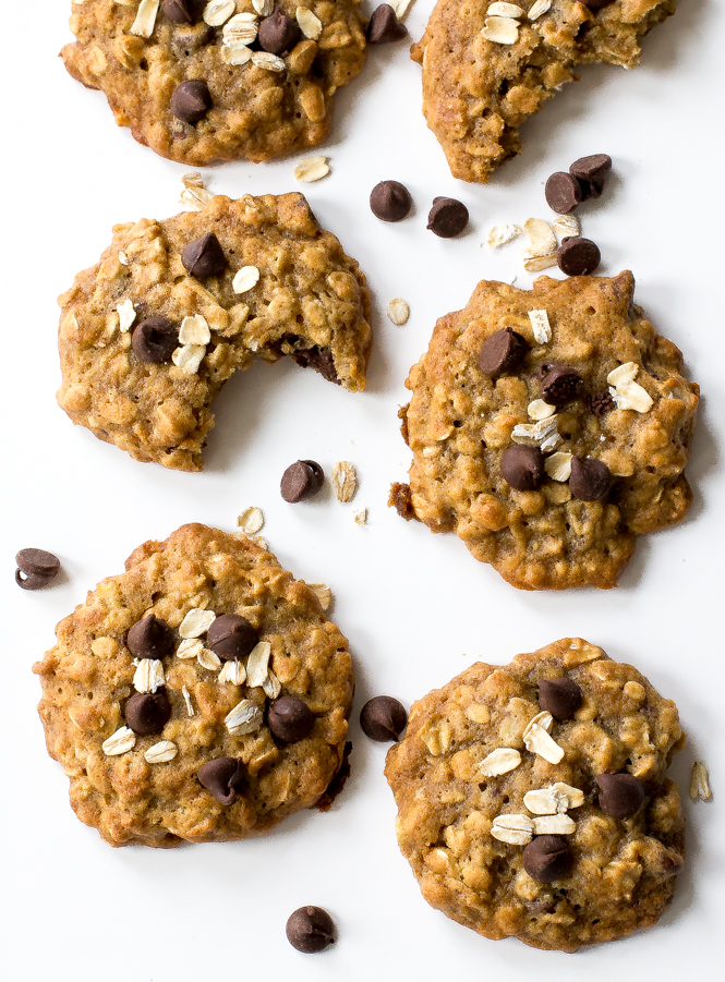 Easy Banana Oatmeal Chocolate Chip Cookies | chefsavvy.com