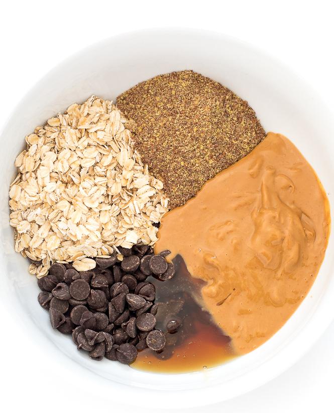 Peanut Butter Energy Bites | chefsavvy.com