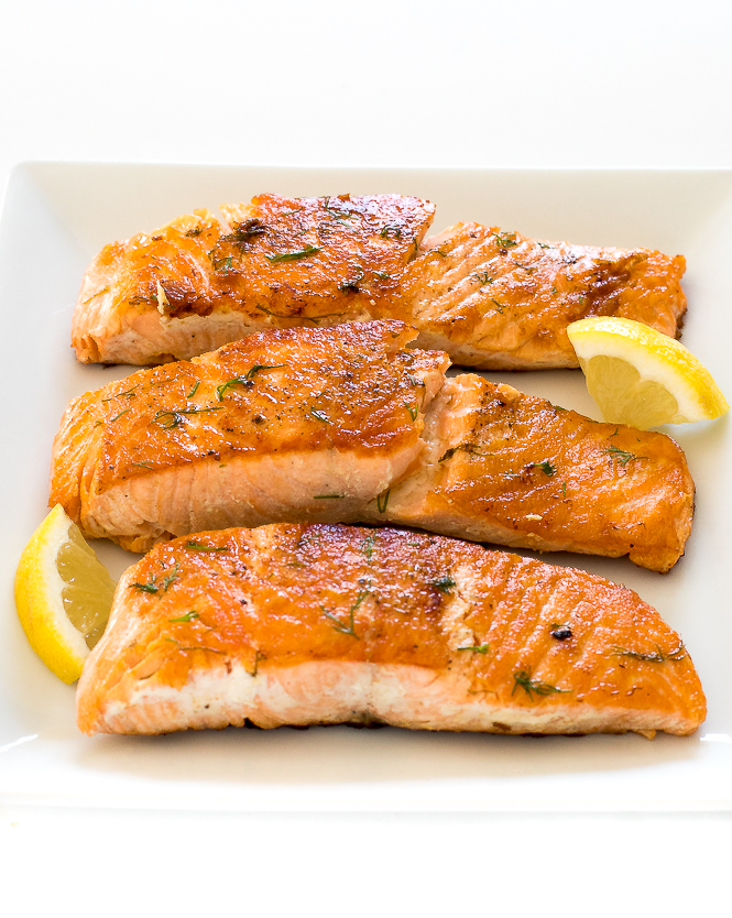 Easy Pan Fried Salmon with Lemon Dill Butter | chefsavvy.com