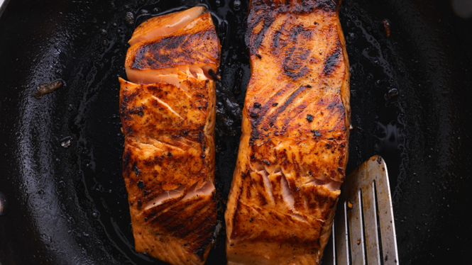 Pan frying salmon in non stick pan