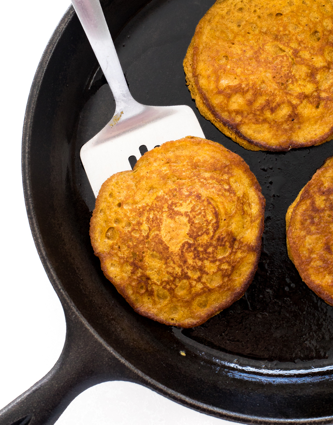 Pumpkin Pie Spice Pancakes | chefsavvy.com