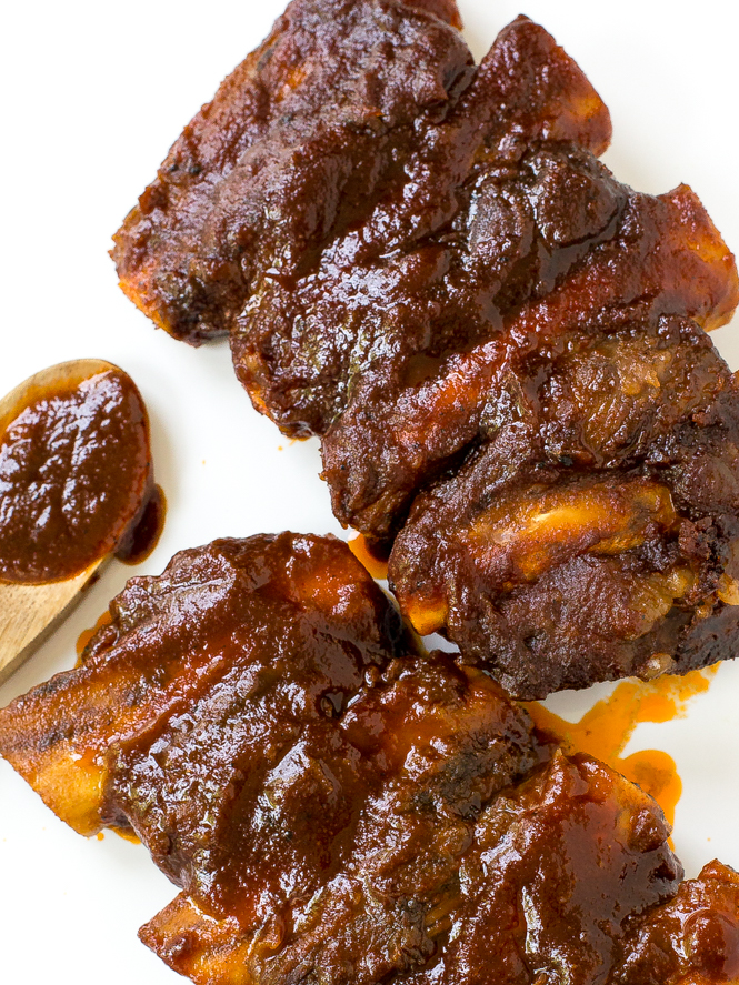 Best Slow Cooker Barbecue Ribs | chefsavvy.com