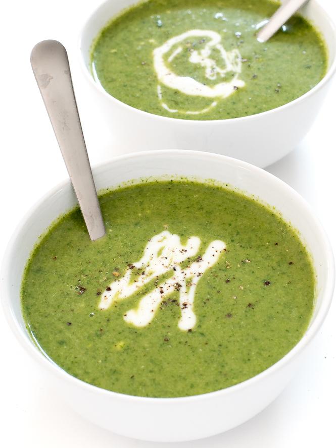 How To Make Creamy Broccoli Spinach Soup | chefsavvy.com