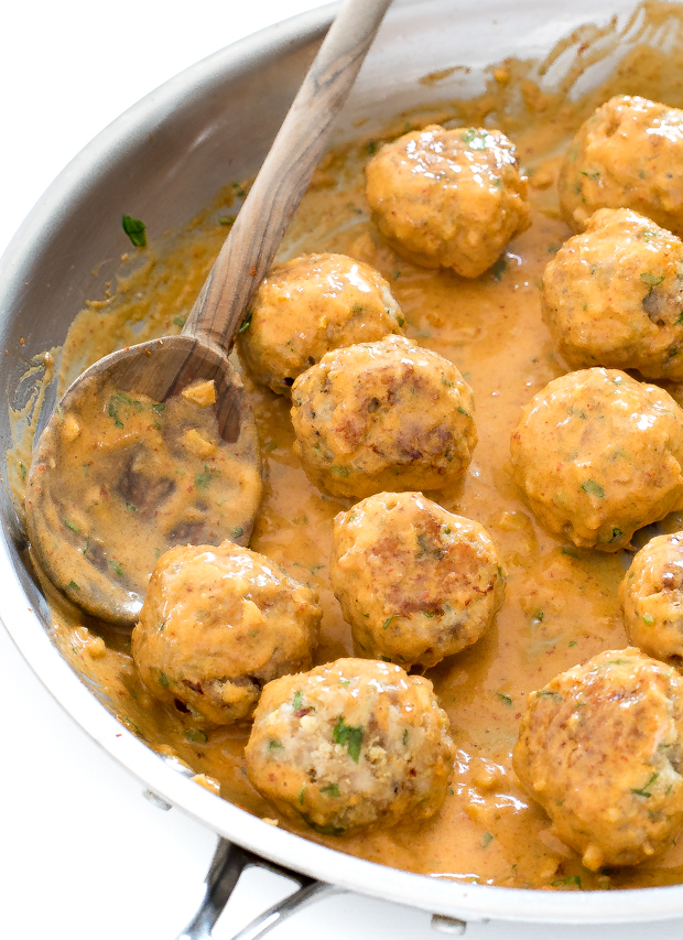 Chicken Meatballs in a Thai Red Curry Sauce | chefsavvy.com