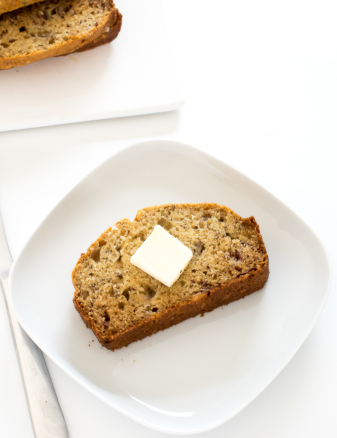 The BEST Healthy Banana Bread | chefsavvy.com