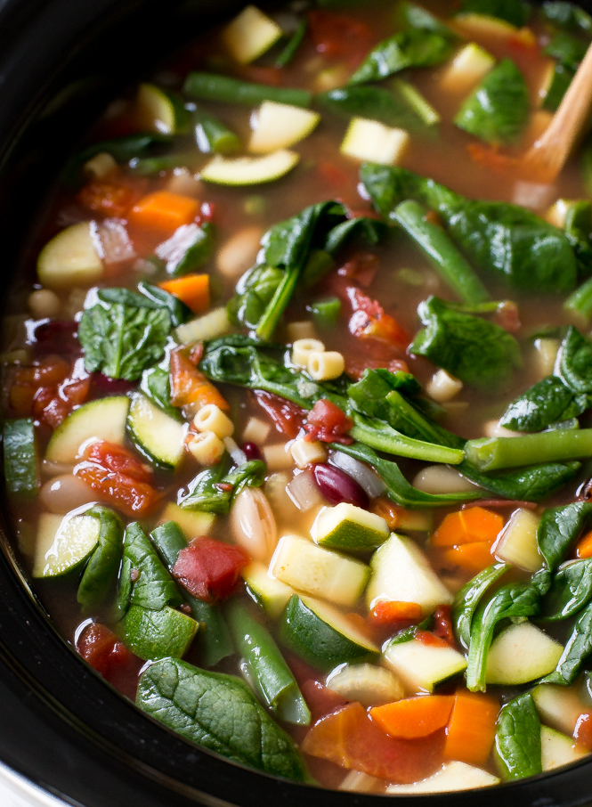 Minestrone Soup Slow Cooker | chefsavvy.com