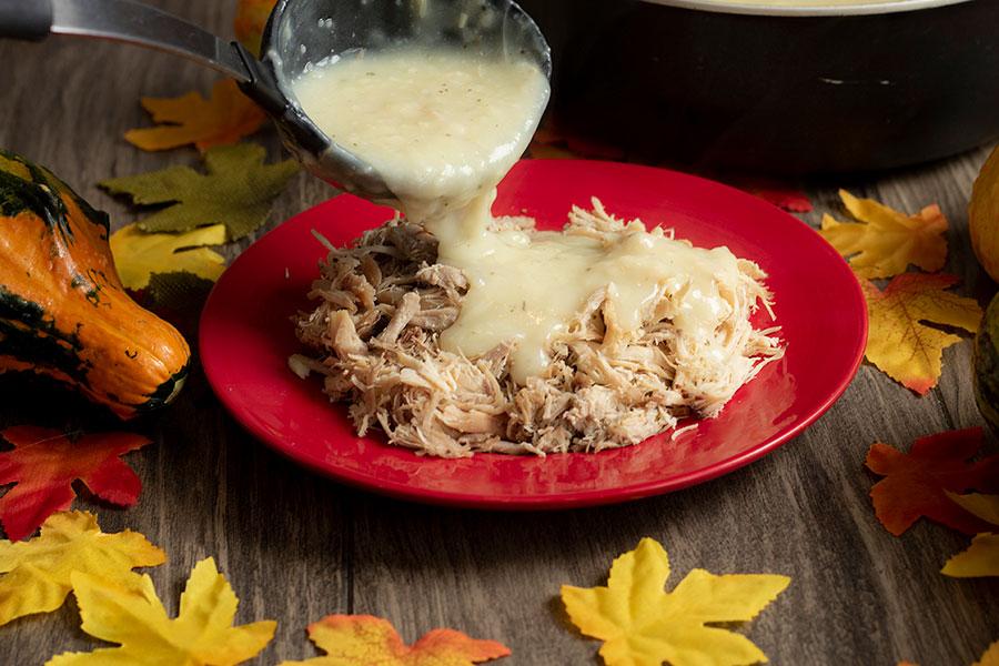 Easy Garlic Turkey Gravy