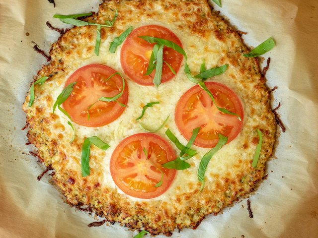 Garlic Butter Cauliflower PIzza Crust