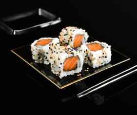 Sushi rolls Beginners hands on cooking class