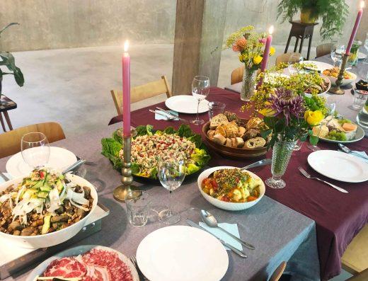 Cooking Yace   8 tot 15 gerechten   Shared dinner spektakel vol met kleur en finesse!