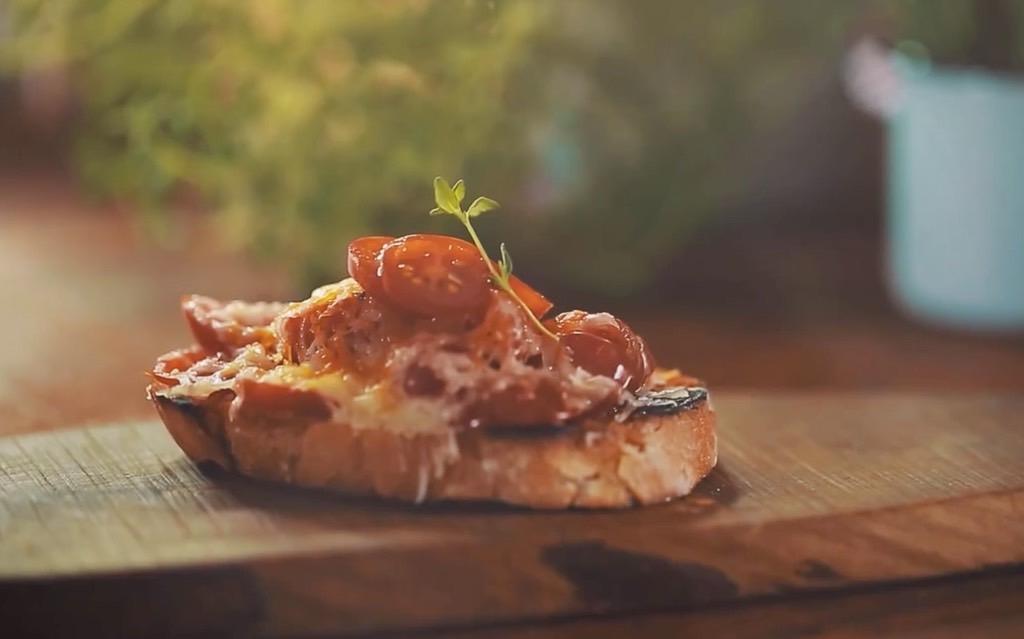 Bruschettas Tomates Cerejas