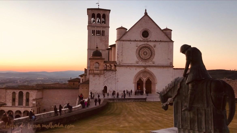 Basilica de São Francisco, estatua de São Francisco