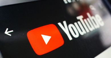 YouTube удалил новые ролики Парфенова и Дудя